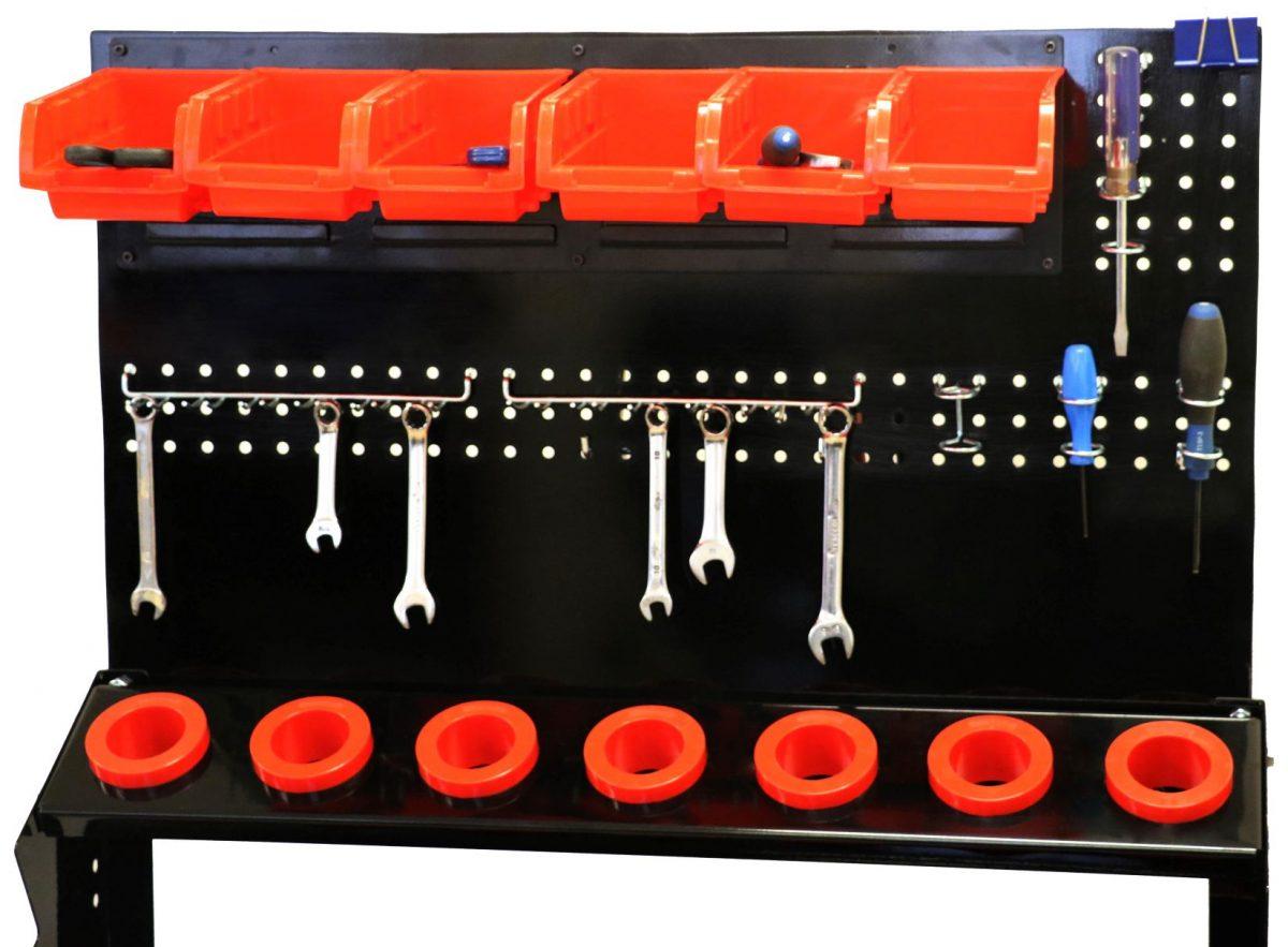 Steps model tool holder